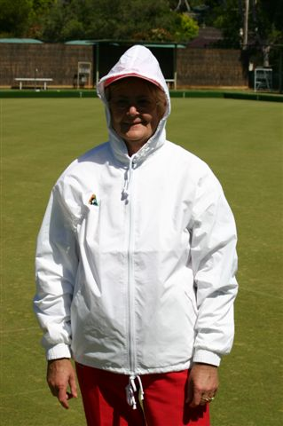 Domino Lawn Bowls Garments and ladies bowls apparel - womens Polar Fleece Lawn Bowls Vest and womens bowling jackets
