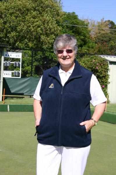Domino Lawn Bowls Garments and gents bowls apparel - Mens Polar Fleece Lawn Bowls Vest and mens bowling jackets