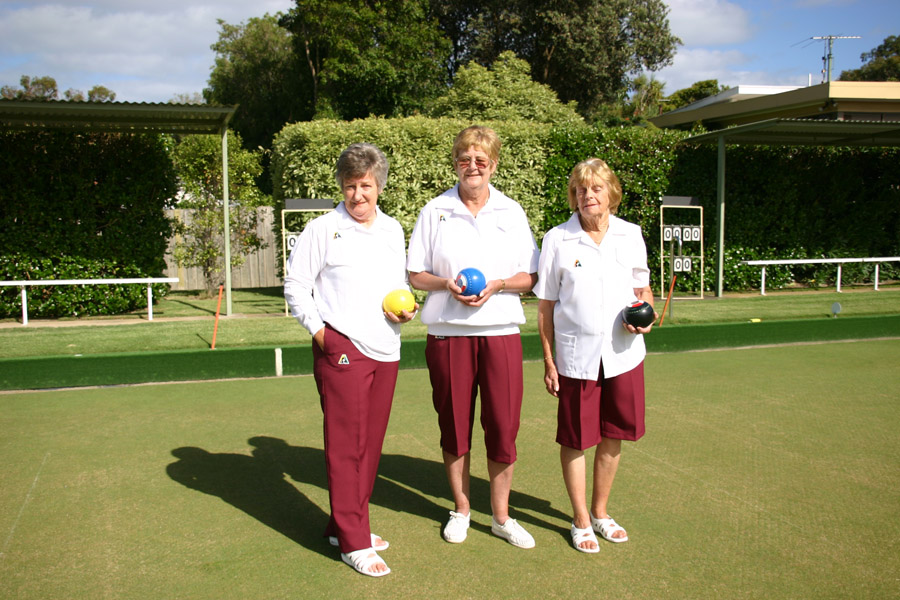 Domino Lawn Bowls Apparel - Queensland Maroon Slacks, Shorts & Pedal Pushers