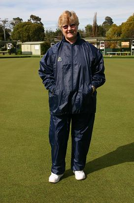 Domino Lawn Bowls Garements - Junior Navy Ladies Rainwear Full Set