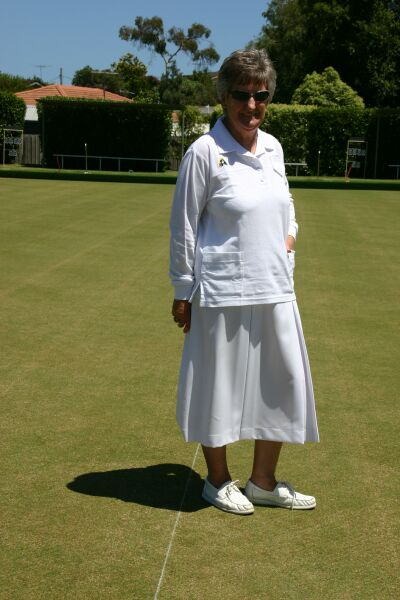 Domino Lawn Bowls Garments - Bottle Green - Skirt